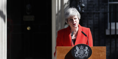 Theresa May si dimetterà il 7 giugno