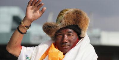 Il nepalese Kami Rita ha scalato l'Everest per la 24esima volta