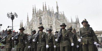 Le foto della parata degli alpini a Milano
