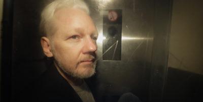 Sul web indignazione per rinvio udienze del caso sull'estradizione di Assange