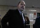 Una ex modella ha fatto causa al produttore Harvey Weinstein accusandolo di averla molestata sessualmente quando era minorenne