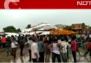 Almeno 14 persone sono morte nel crollo di un tendone durante un evento religioso in India