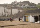In Francia un imam è stato condannato a 2 anni di prigione per aver aiutato gruppi di migranti ad attraversare la Manica in gommone