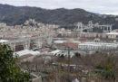 A Genova è iniziata la demolizione delle case in via Porro, sotto l'ex ponte Morandi