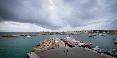 Cento migranti sono sbarcati oggi a Lampedusa