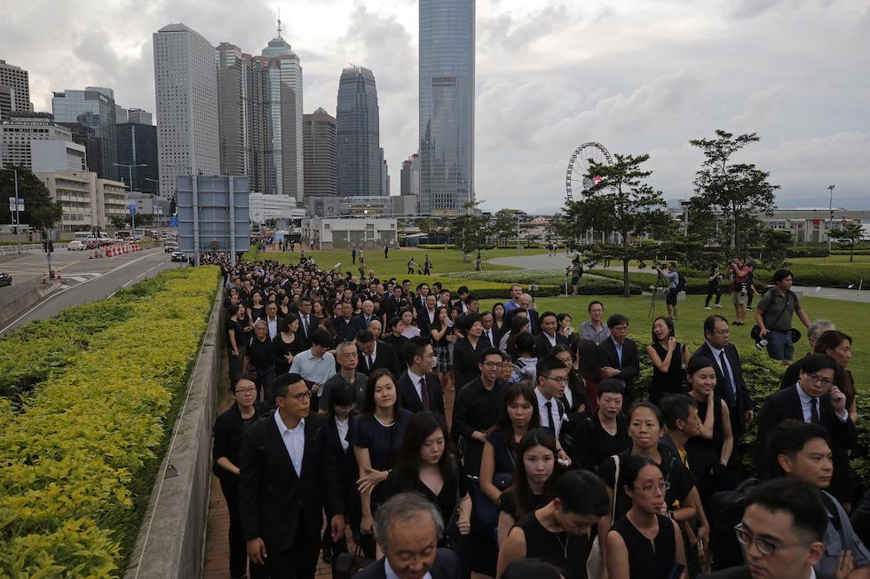 La protesta degli avvocati e dei giudici di Hong Kong il 6 giugno 2019