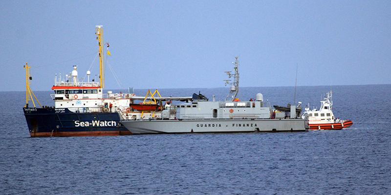 migranti, dissequestrata la nave sea watch. può lasciare il porto di licata .