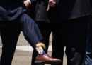 I calzini di Donald Trump e la merce fasulla su Amazon