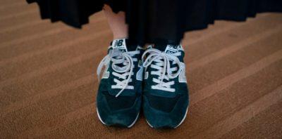 La campagna giapponese contro l'obbligo dei tacchi alti per le donne
