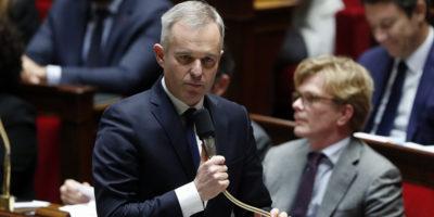 Francia: polemiche su aragoste, il ministro si dimette