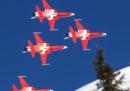 La pattuglia acrobatica dell'aviazione svizzera ha sorvolato la festa sbagliata