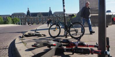 Parigi vuole fare i conti coi monopattini