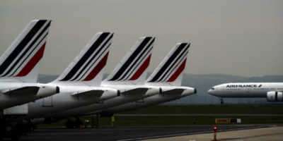 La Francia introdurrà una tassa sui biglietti aerei