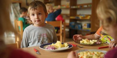 La Cassazione ha deciso che gli studenti non potranno consumare nelle mense scolastiche pasti preparati a casa