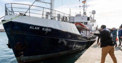 La nave Alan Kurdi ha soccorso 40 migranti al largo della Libia