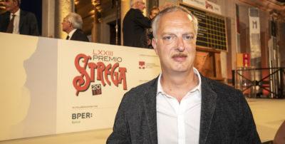 """Antonio Scurati ha vinto il Premio Strega con """"M. Il figlio del secolo"""""""
