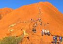 Gli ultimi turisti dell'Uluru