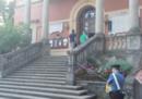 Il pm ha richiesto gli arresti domiciliari per il sindaco di Bibbiano e altri 4 indagati