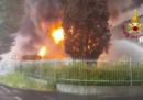 Un grosso incendio a Brendola, in provincia di Vicenza, ha causato la chiusura di un tratto della A4