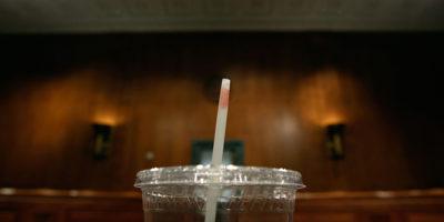 Il TAR della Puglia ha sospeso un'ordinanza regionale che diminuiva l'uso della plastica