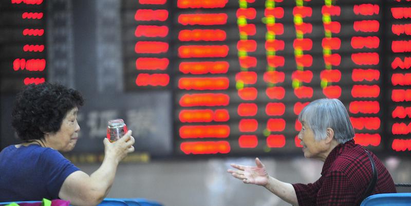 Cina: +6,2% il pil, ai minimi in 27 anni