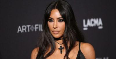 Kim Kardashian ha vinto una causa di 2,4 milioni di euro contro un'azienda che usava la sua immagine per vendere vestiti