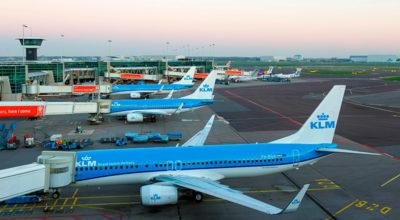 La compagnia aerea che vuole farci volare di meno