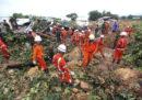 Almeno 34 persone sono morte per una frana in Myanmar