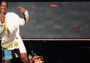 Il rapper A$AP Rocky, da settimane al centro di un delicato caso diplomatico fra Stati Uniti e Svezia, è stato condannato a sei mesi di carcere per aggressione
