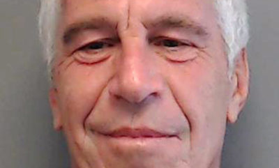Caso Epstein, i massaggi del principe Andrea a casa del miliardario