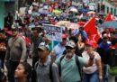In Honduras migliaia di persone stanno protestando contro il presidente