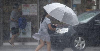 Tifone a sud Shanghai, almeno 13 morti, 1 milione evacuati