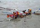 Nelle Filippine almeno 31 persone sono morte nel rovesciamento di due traghetti in mare