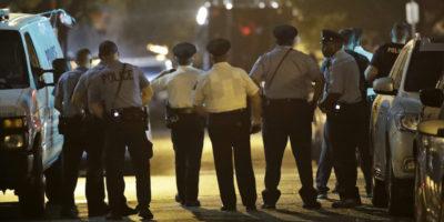 Sparatoria a Philadelphia, colpiti sei agenti: fermato uno dei colpevoli