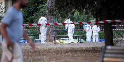 Un noto capo ultrà della Lazio è stato ucciso nel Parco degli Acquedotti, a Roma