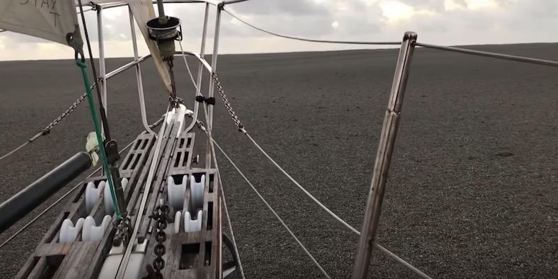 L'eruzione di un vulcano crea uno strato di pomice nel Pacifico
