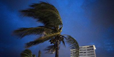 L'uragano Dorian ha raggiunto le Bahamas