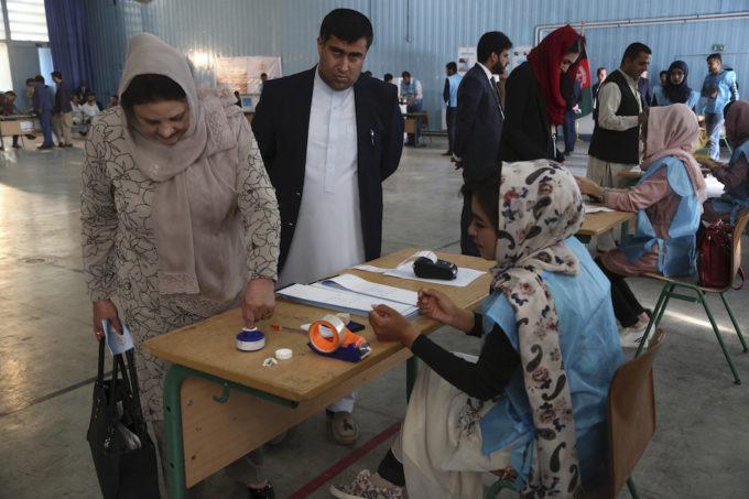 Afghanistan, due morti e 15 feriti durante le elezioni presidenziali