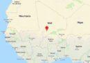 In Mali 14 persone che si trovavano a bordo di un pullman sono morte per l'esplosione di una mina