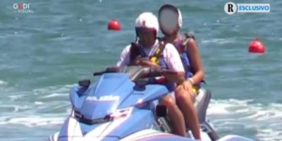 Tre poliziotti coinvolti nell'uso di una moto d'acqua della polizia da parte del figlio di Matteo Salvini sono indagati per peculato d'uso e violenza privata