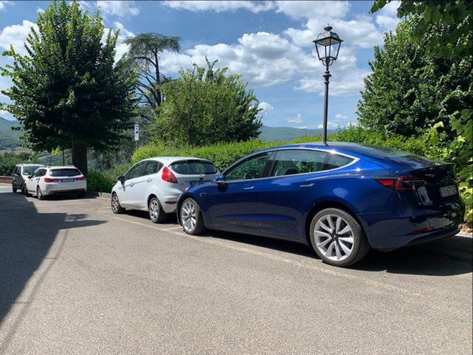Tesla Model 3 in incognito (Foto © Antonio Dini)