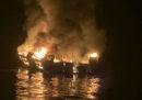 Nell'incendio della barca usata per le immersioni subacquee in California sono morte 34 persone
