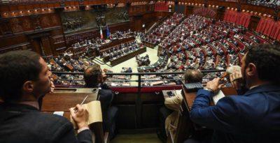 La Camera vota la fiducia al governo Conte