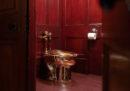 Il water d'oro dell'artista Maurizio Cattelan è stato rubato in Inghilterra