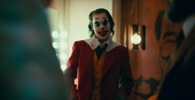 """In molti cinema statunitensi saranno vietati costumi, maschere e armi giocattolo alle proiezioni del film """"Joker"""""""
