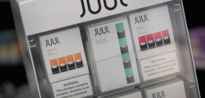 La FDA dice che Juul, la grande azienda di sigarette elettroniche, ha promosso in modo illegale le proprie sigarette elettroniche
