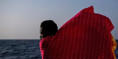 Un migrante appena riportato in Libia dalla Guardia costiera libica è stato ucciso con un colpo di pistola