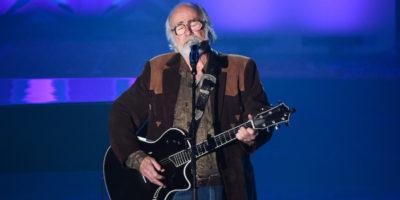 È morto Robert Hunter, autore dei testi delle canzoni più famose dei Grateful Dead