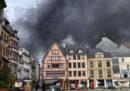 È in corso un grande incendio in un impianto chimico di Rouen, nel nord della Francia