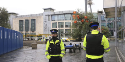 Manchester, accoltellamento in strada: 5 feriti